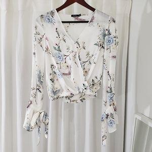 EUC Bershka White Floral Long Sleeve V-Neck Blouse